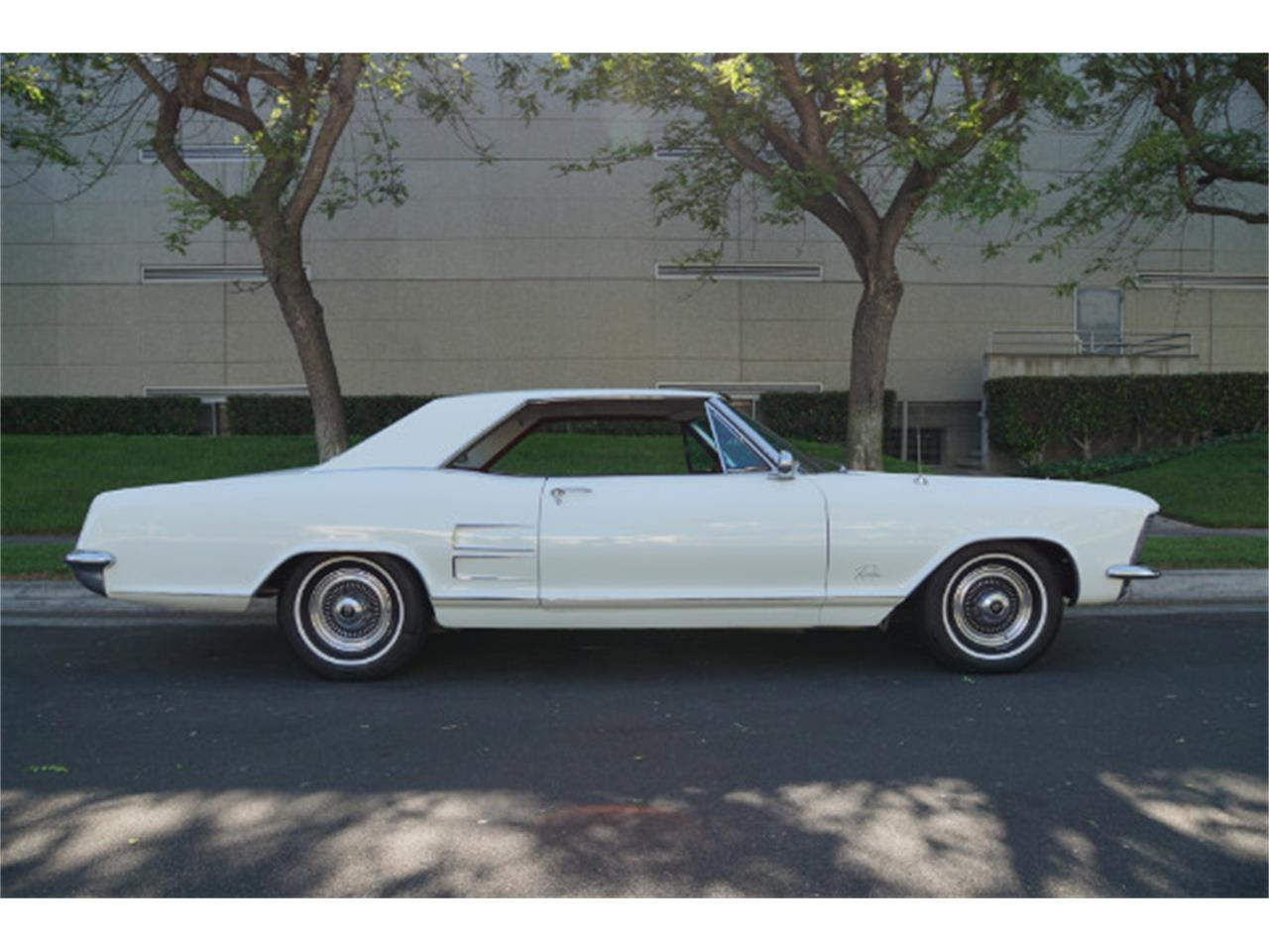 Large Picture of '64 Riviera - Q3PN