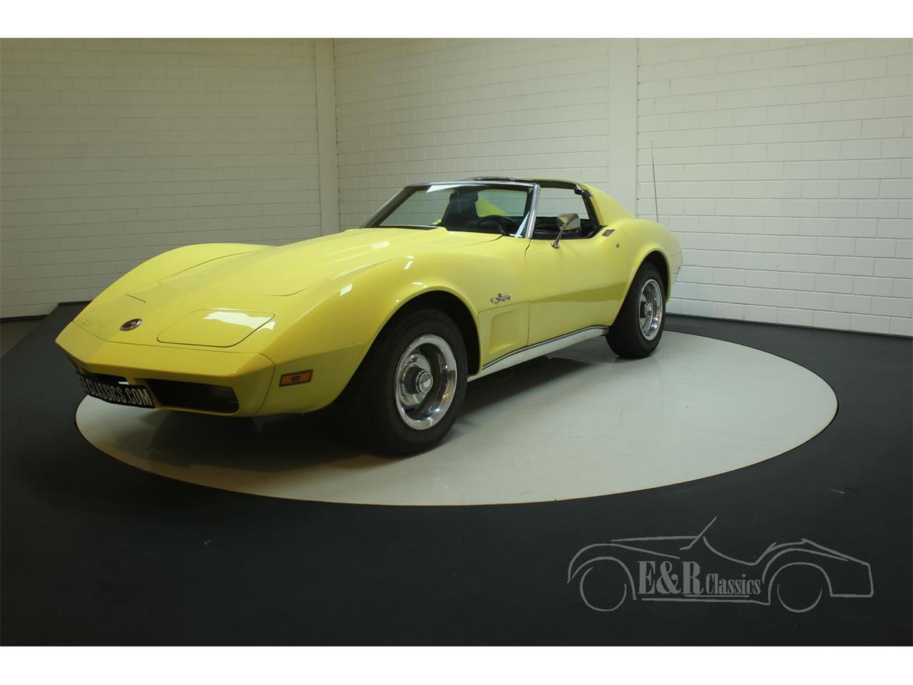 Large Picture of '74 Corvette Offered by E & R Classics - Q3R0