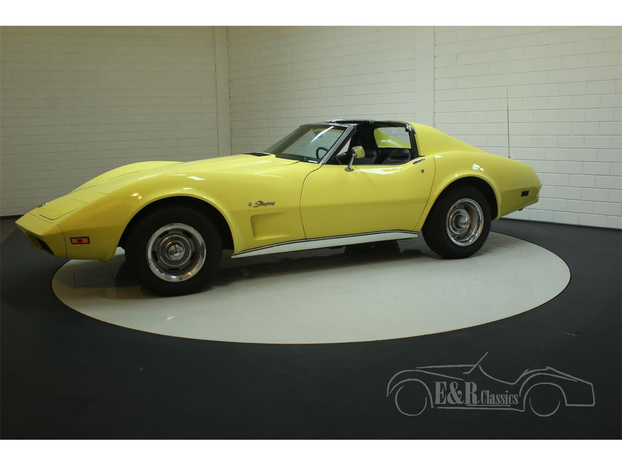 Large Picture of 1974 Chevrolet Corvette located in Waalwijk noord brabant Offered by E & R Classics - Q3R0