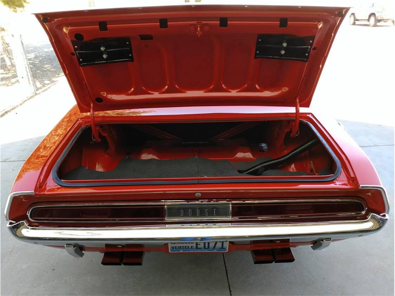 Large Picture of '70 Challenger R/T Offered by a Private Seller - Q3RQ