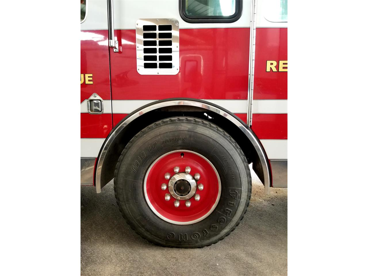 Large Picture of '93 Fire Truck - Q3RW