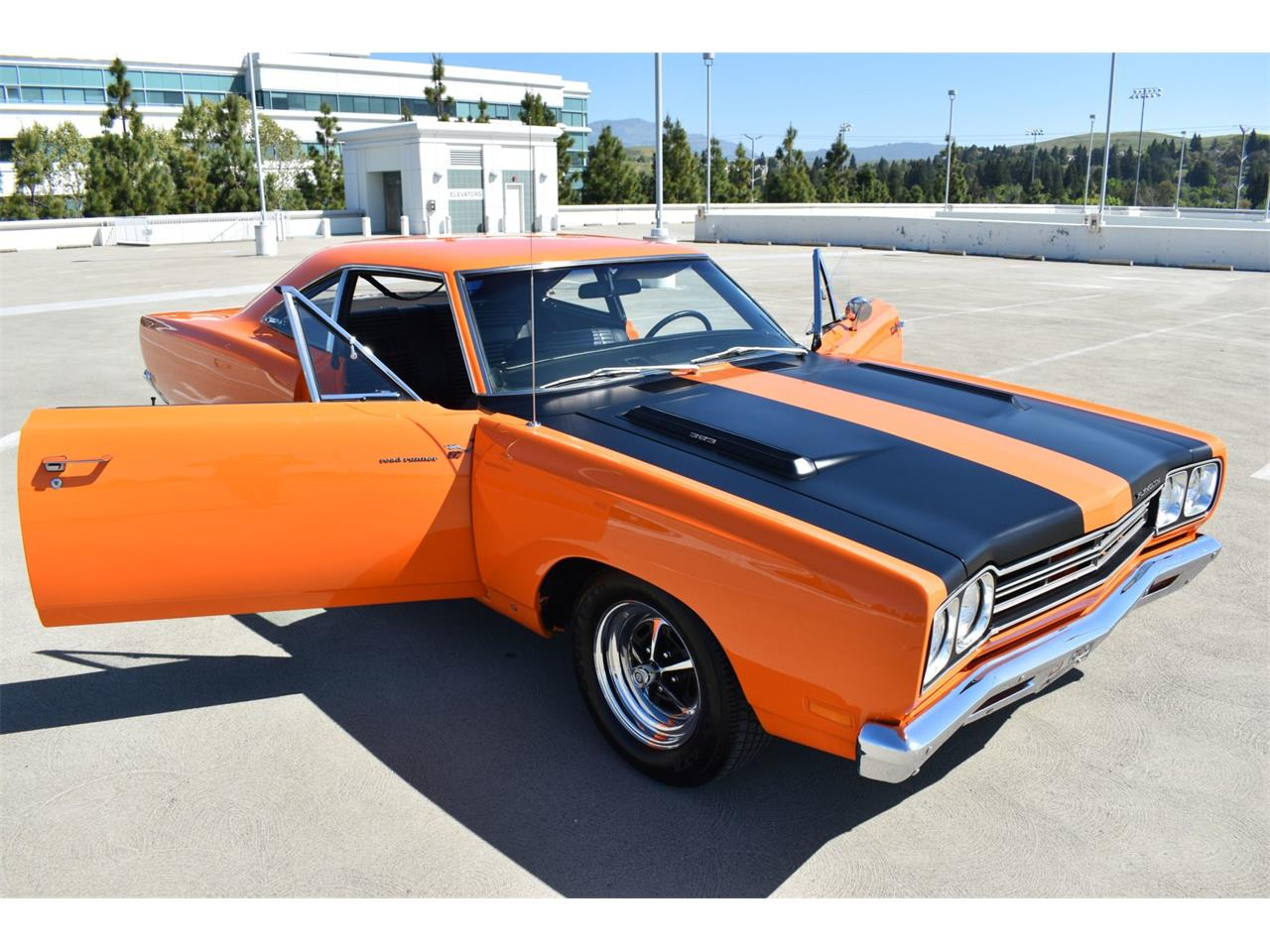 Large Picture of '69 Road Runner - Q3W4