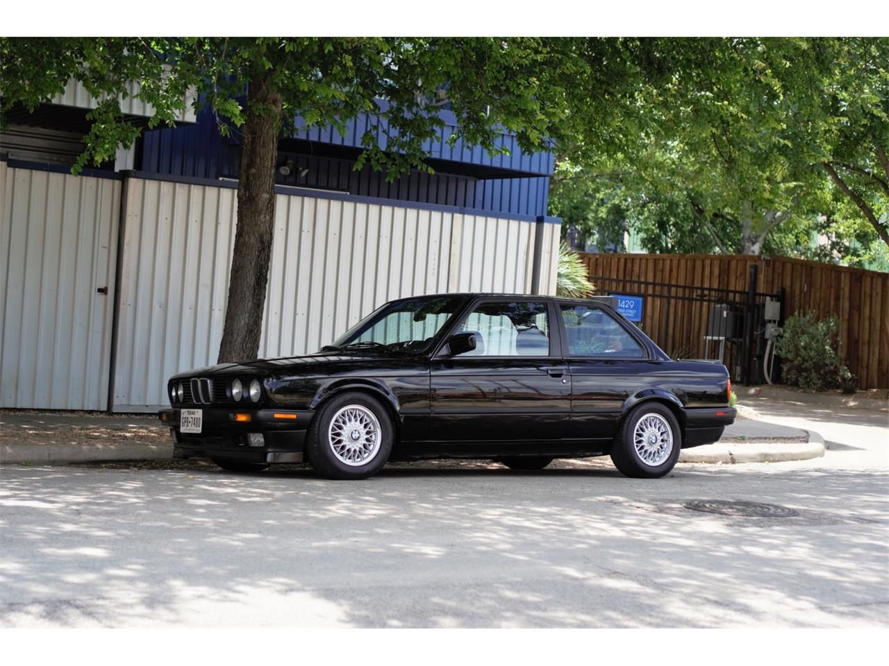 Large Picture of 1990 BMW 3 Series Auction Vehicle Offered by Bring A Trailer - Q3WA