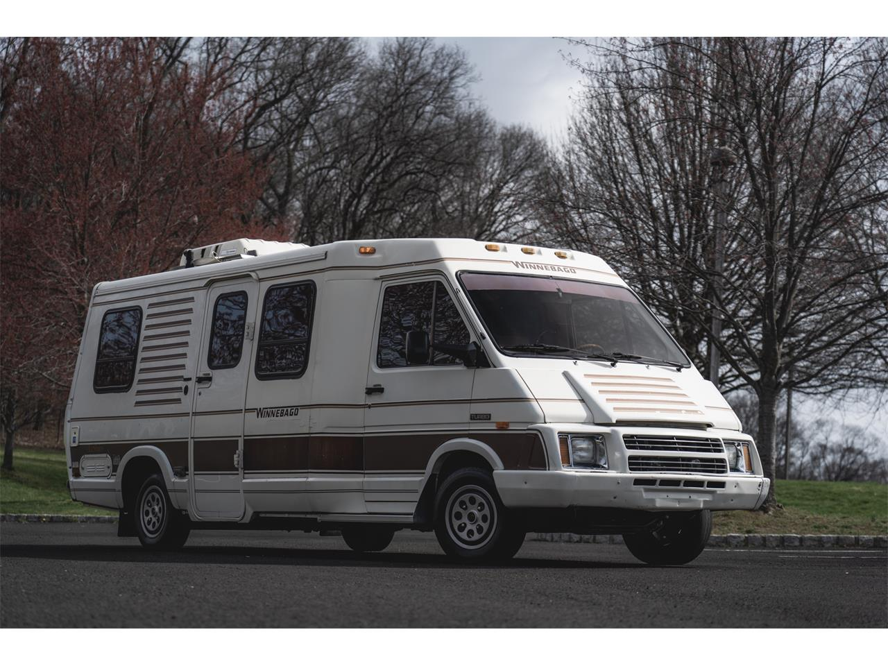 Large Picture of '85 Recreational Vehicle - Q3X1