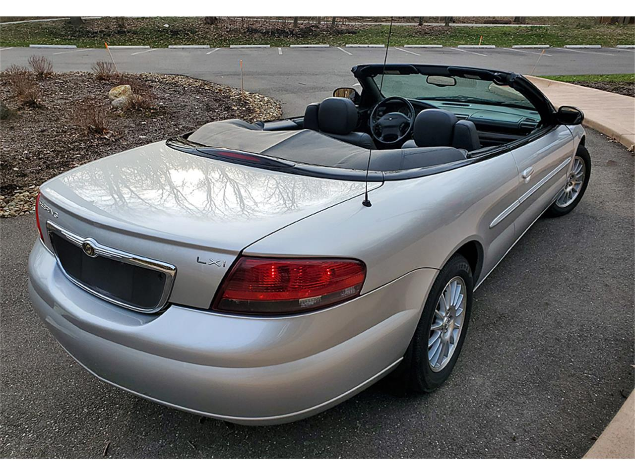 Large Picture of '04 Sebring - Q3XZ