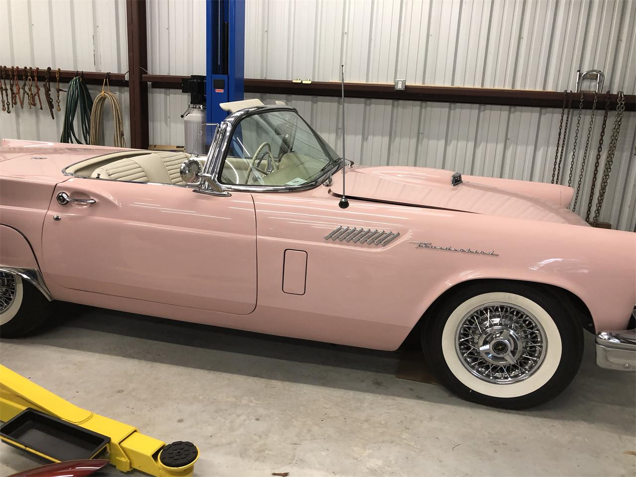 Large Picture of Classic '57 Ford Thunderbird - Q3Z0