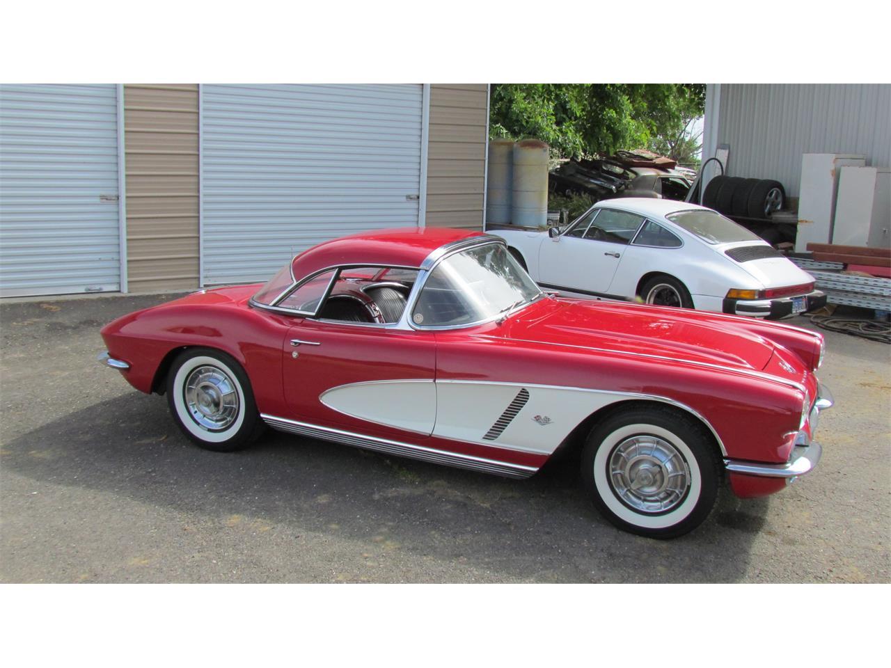 Large Picture of '62 Corvette - Q3Z8