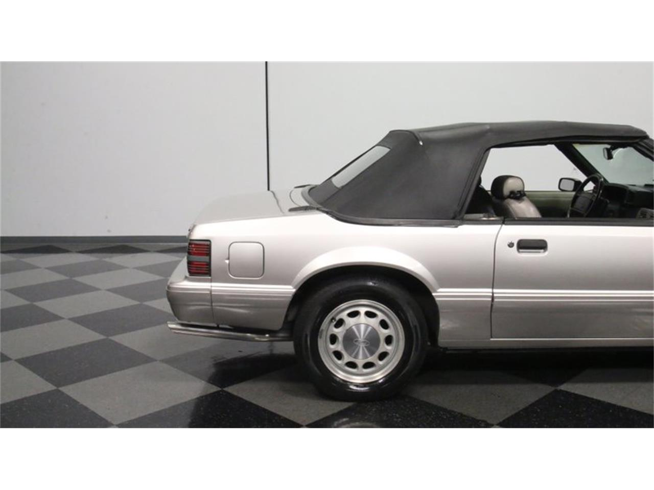 Large Picture of '90 Mustang - Q3ZK