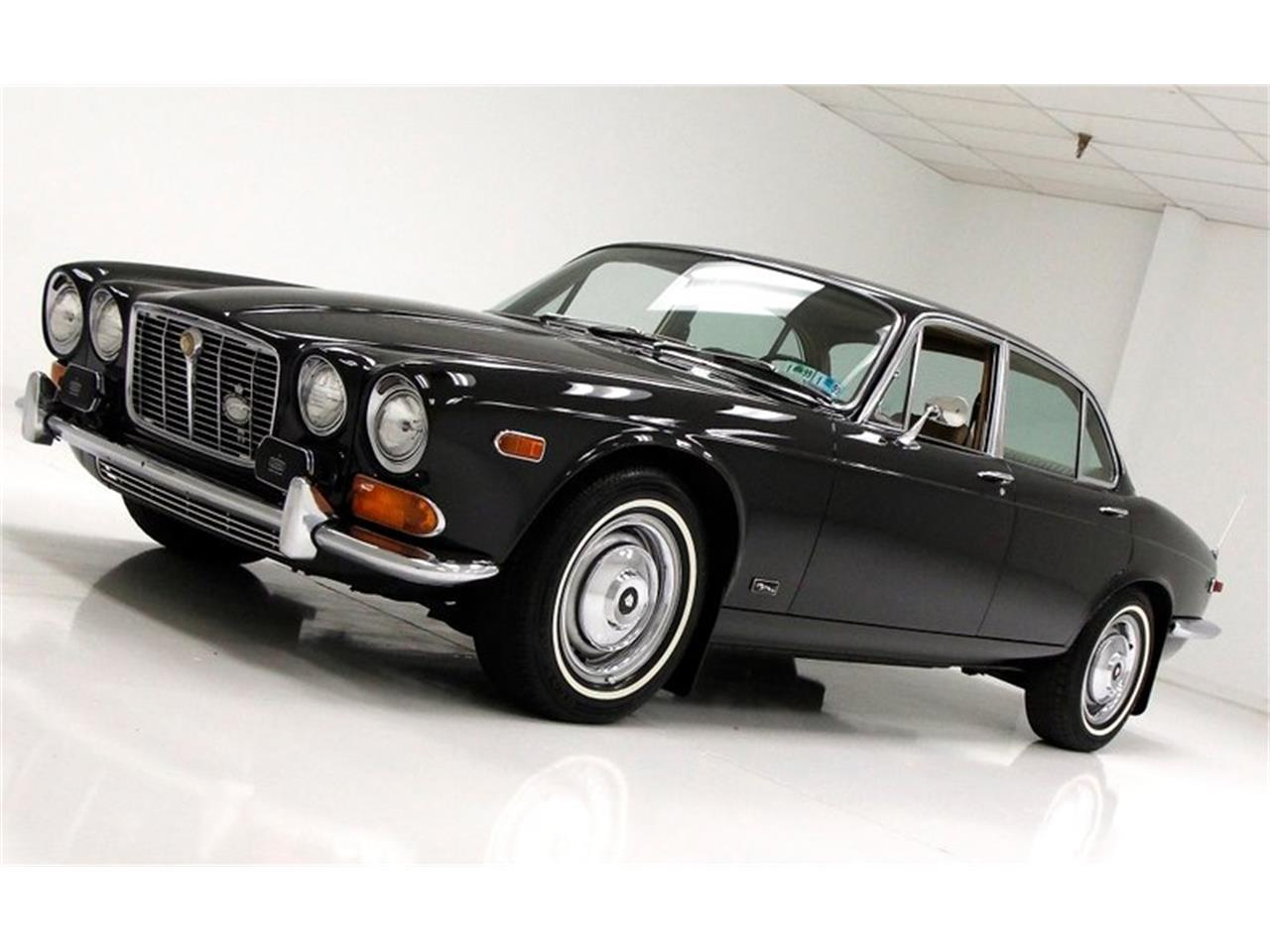 Large Picture of Classic '71 Jaguar XJ6 - $25,900.00 Offered by Classic Auto Mall - Q3ZS