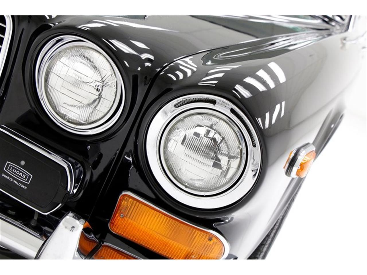 Large Picture of Classic 1971 Jaguar XJ6 - $25,900.00 Offered by Classic Auto Mall - Q3ZS