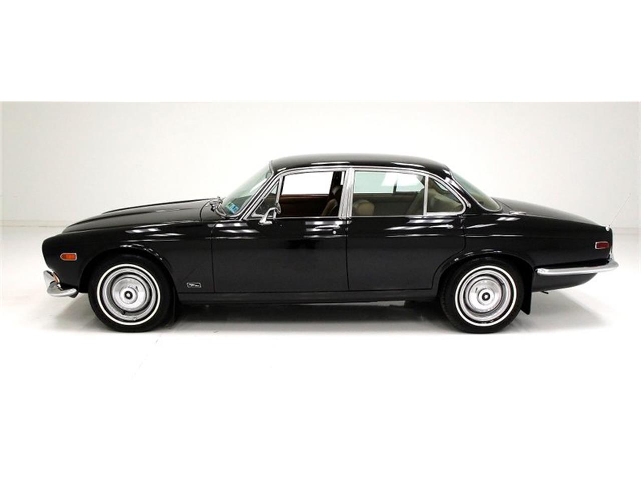 Large Picture of '71 Jaguar XJ6 - $25,900.00 - Q3ZS