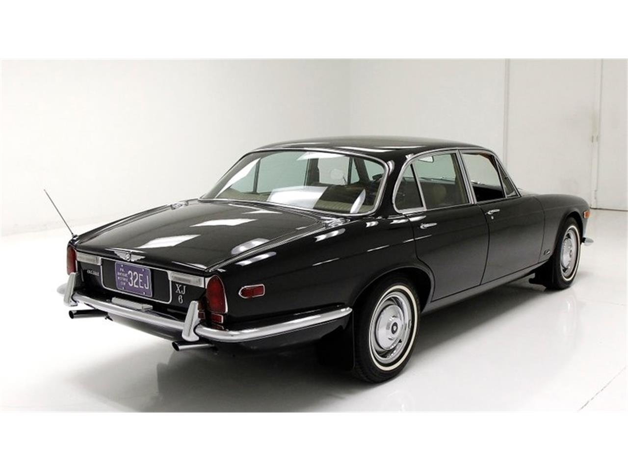 Large Picture of Classic 1971 Jaguar XJ6 located in Pennsylvania - Q3ZS