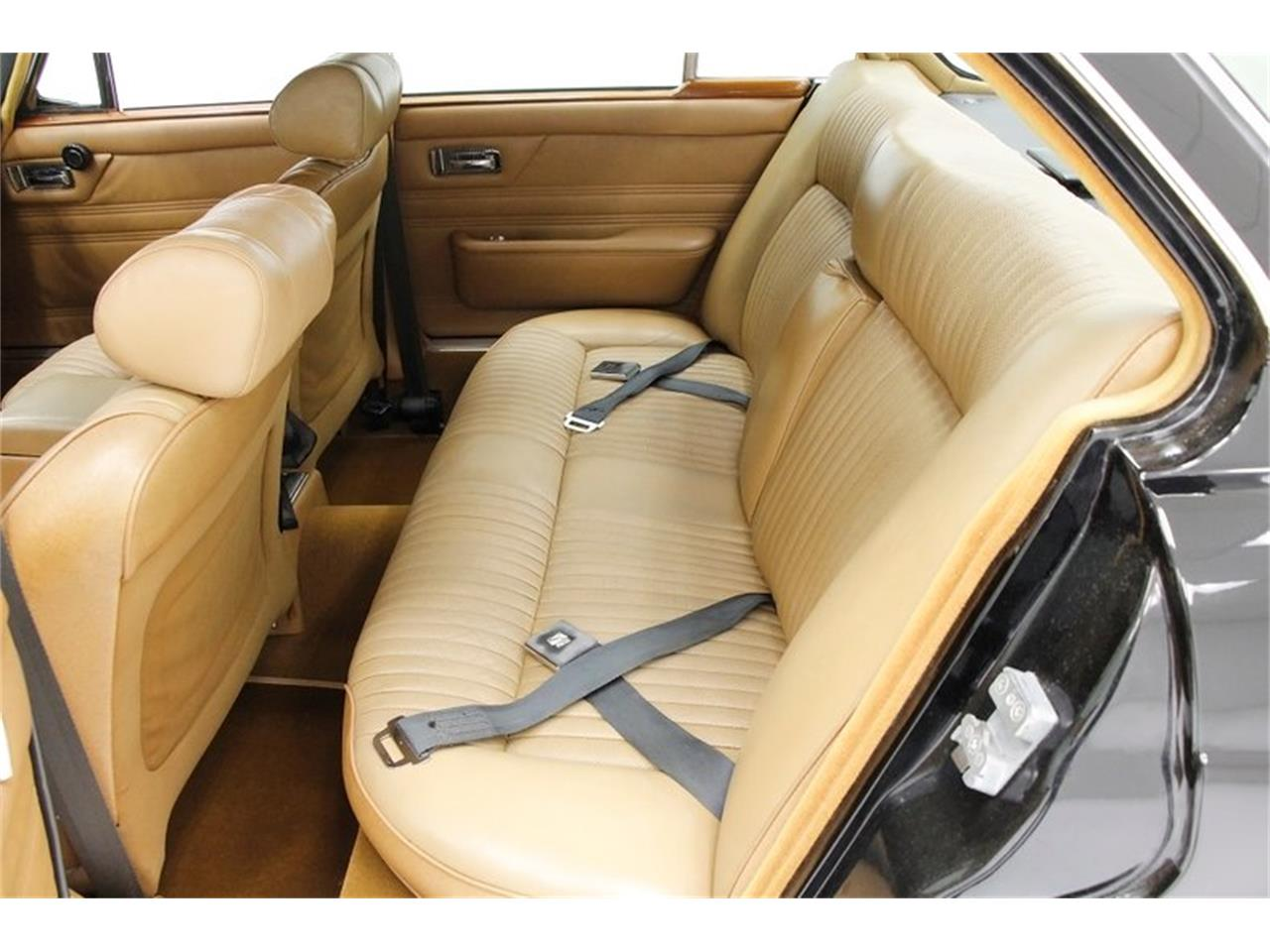 Large Picture of 1971 Jaguar XJ6 - $25,900.00 - Q3ZS