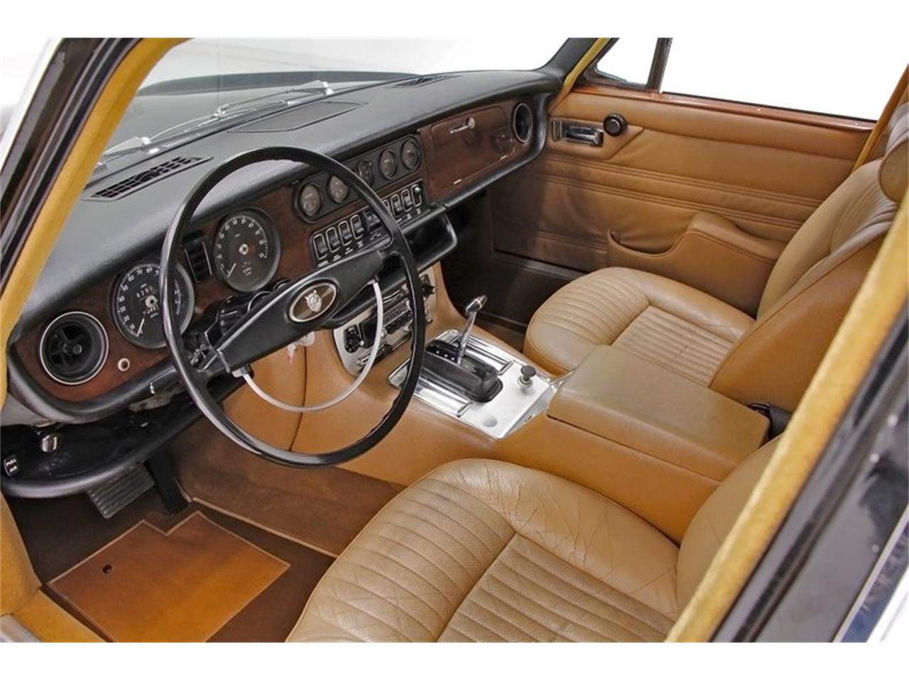 Large Picture of Classic '71 Jaguar XJ6 - Q3ZS