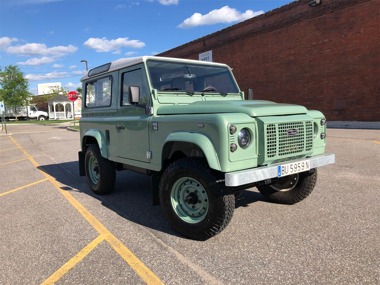 Large Picture of '91 Defender - Q42I