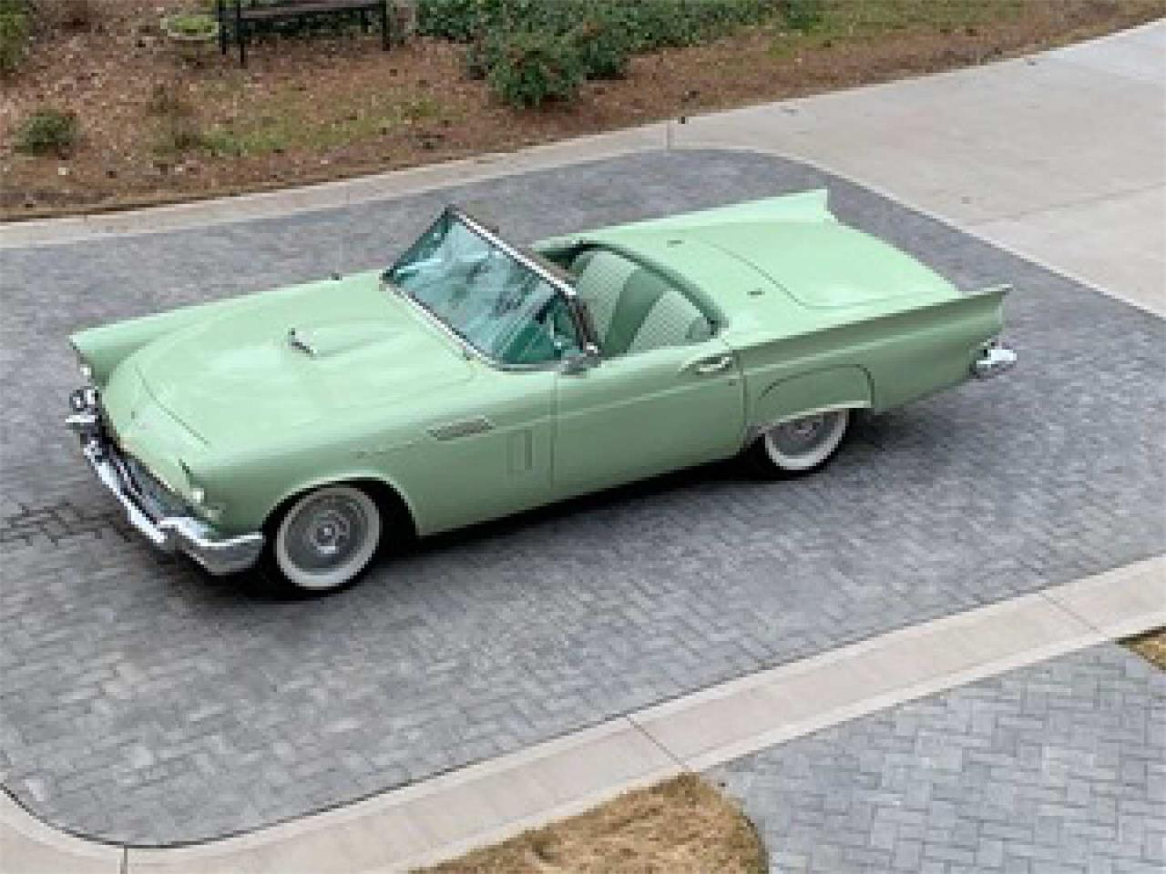 Large Picture of '57 Thunderbird - Q45D