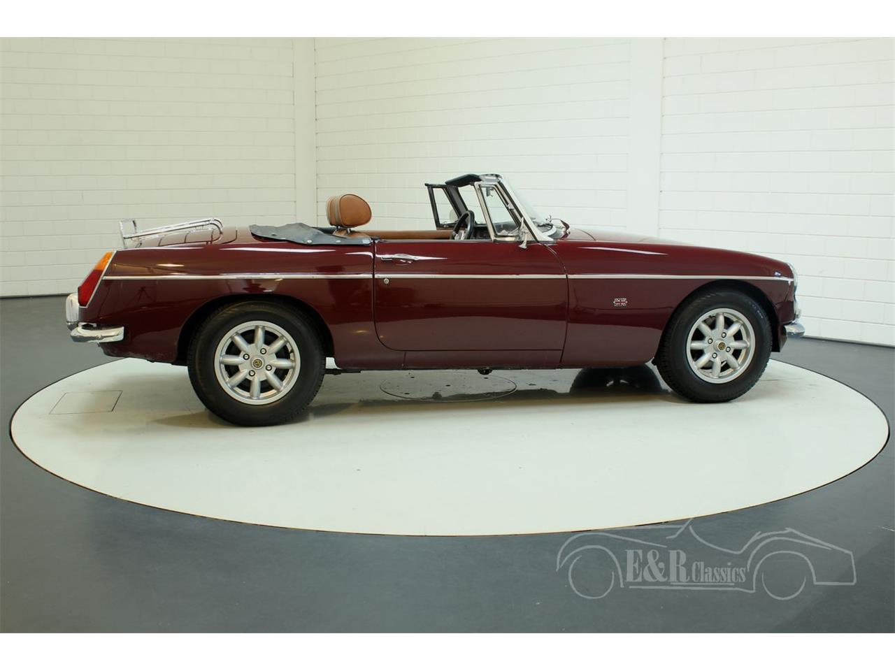 Large Picture of 1976 MGB Offered by E & R Classics - Q45I