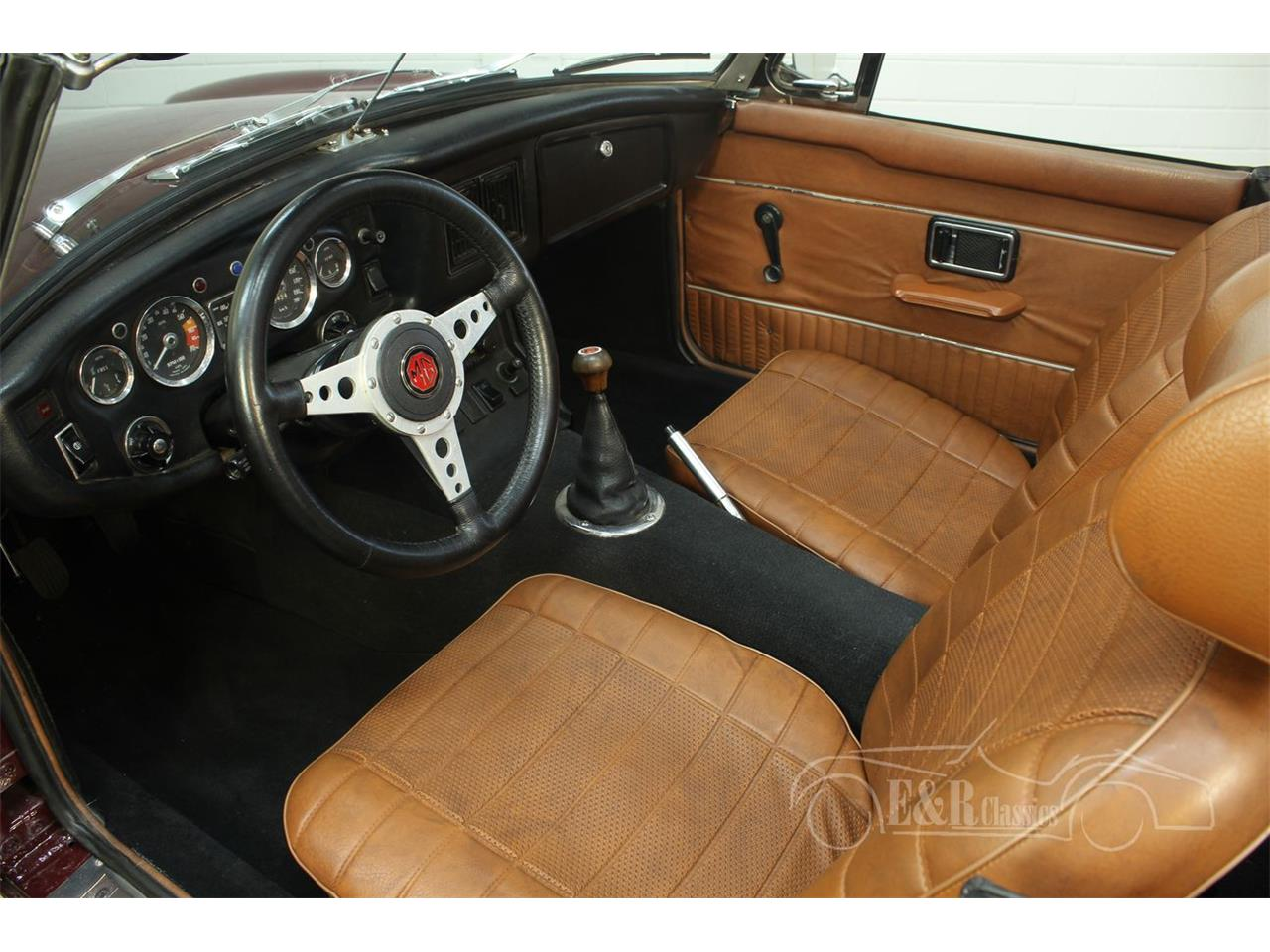 Large Picture of '76 MGB - $22,250.00 - Q45I