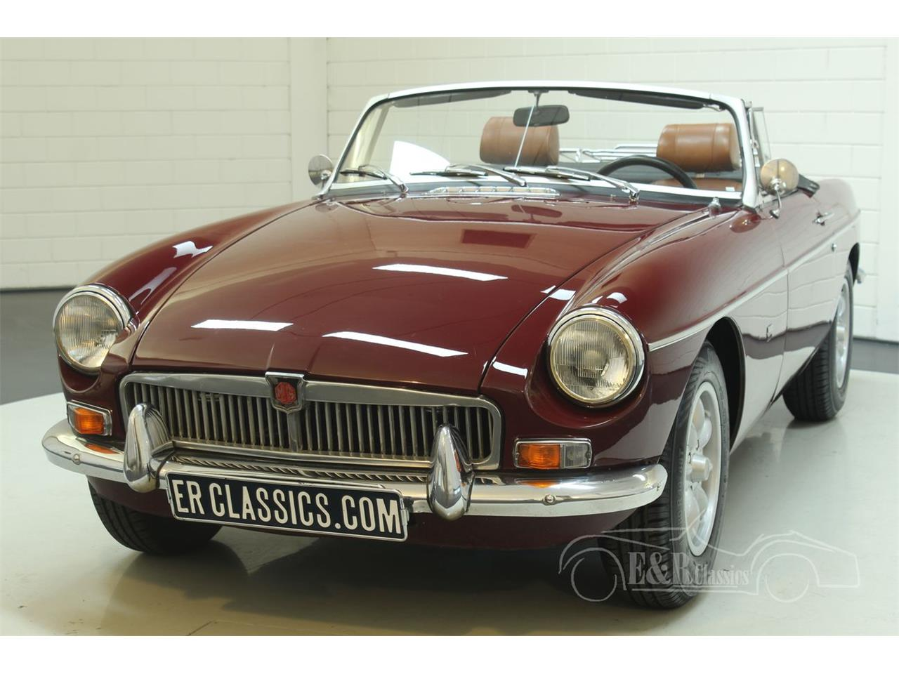 Large Picture of '76 MG MGB located in Waalwijk Noord-Brabant Offered by E & R Classics - Q45I