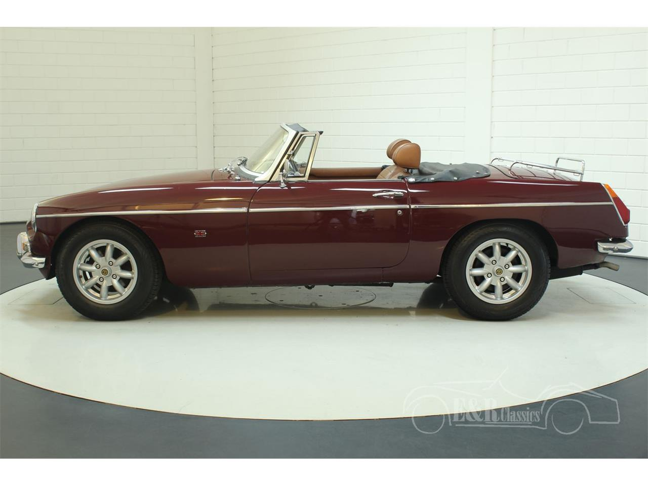 Large Picture of '76 MGB located in Waalwijk Noord-Brabant Offered by E & R Classics - Q45I
