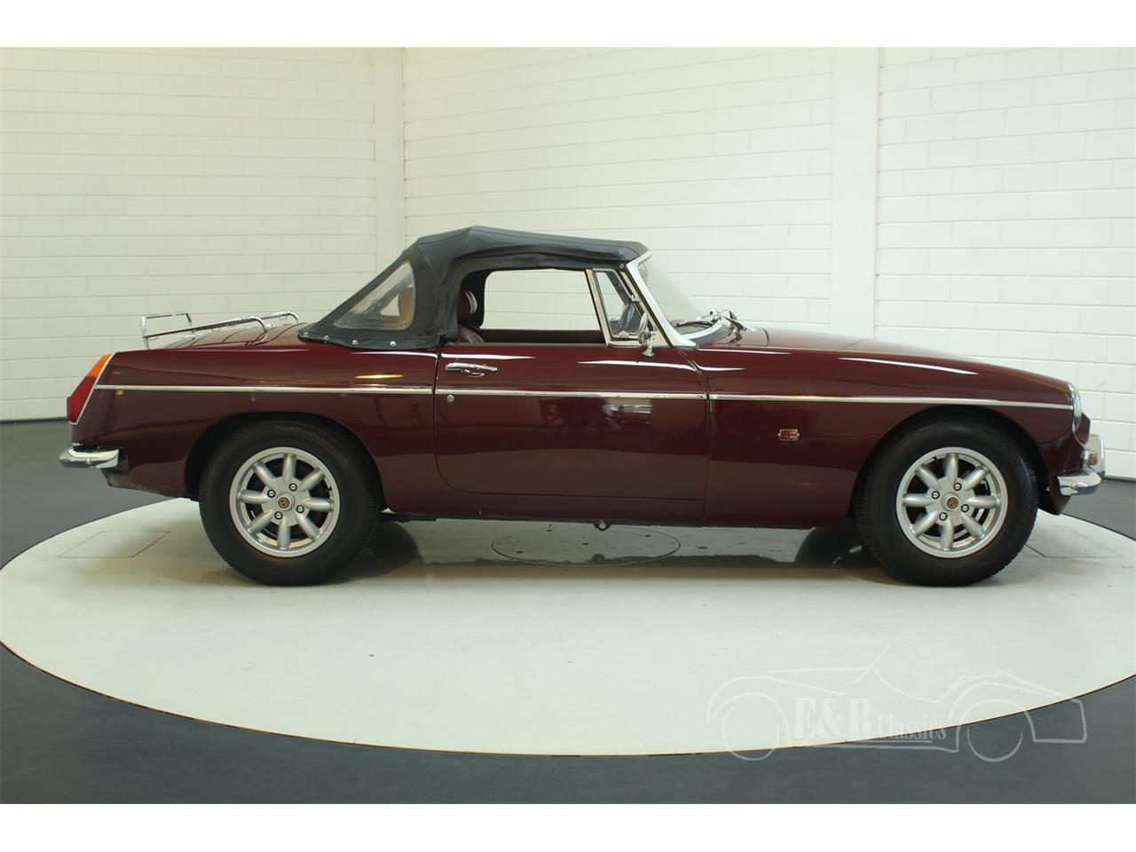 Large Picture of '76 MGB located in Noord-Brabant Offered by E & R Classics - Q45I