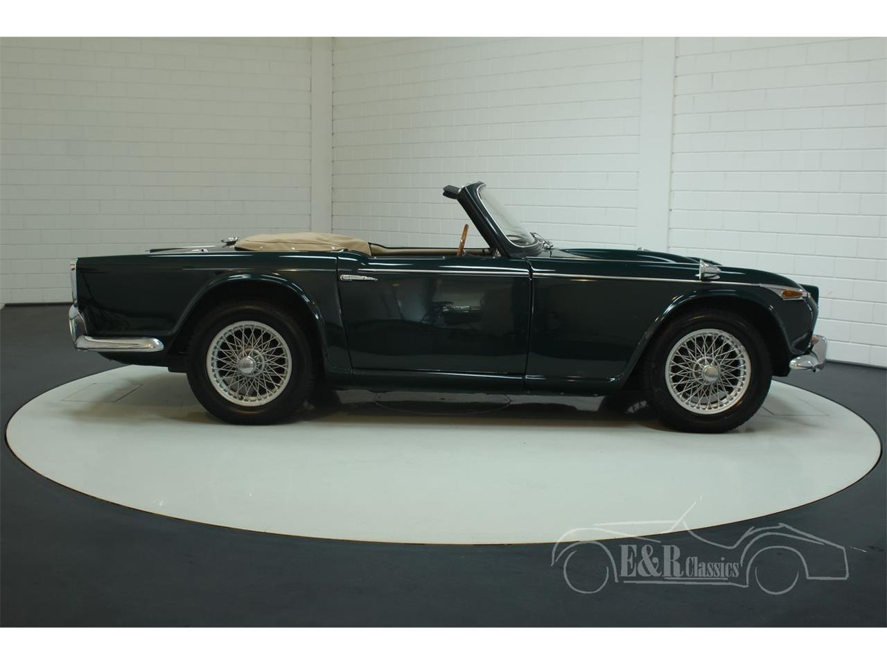Large Picture of '67 Triumph TR4 - Q45O