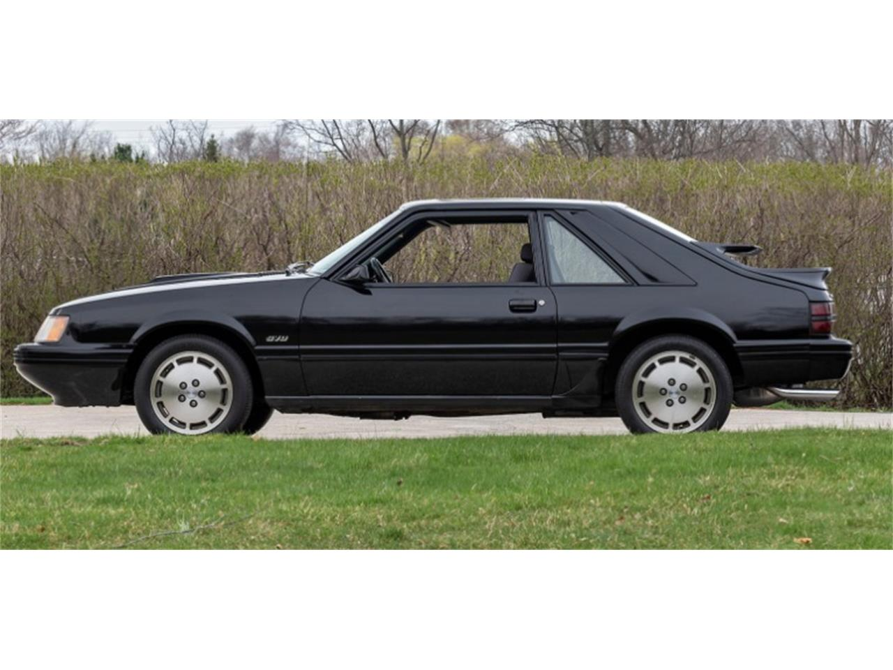 Large Picture of 1984 Ford Mustang located in Mundelein Illinois - Q46S