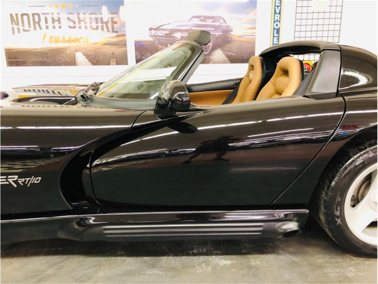 Large Picture of '95 Dodge Viper located in Mundelein Illinois - $34,807.00 - Q46X