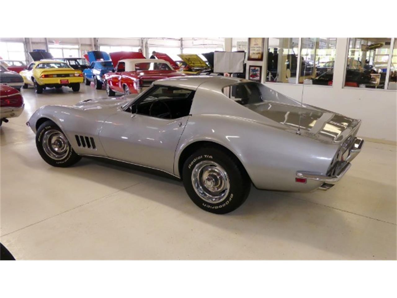 Large Picture of '68 Corvette located in Columbus Ohio - Q47R