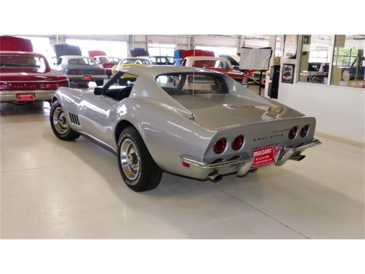 Large Picture of '68 Corvette located in Ohio Offered by Cruisin Classics - Q47R