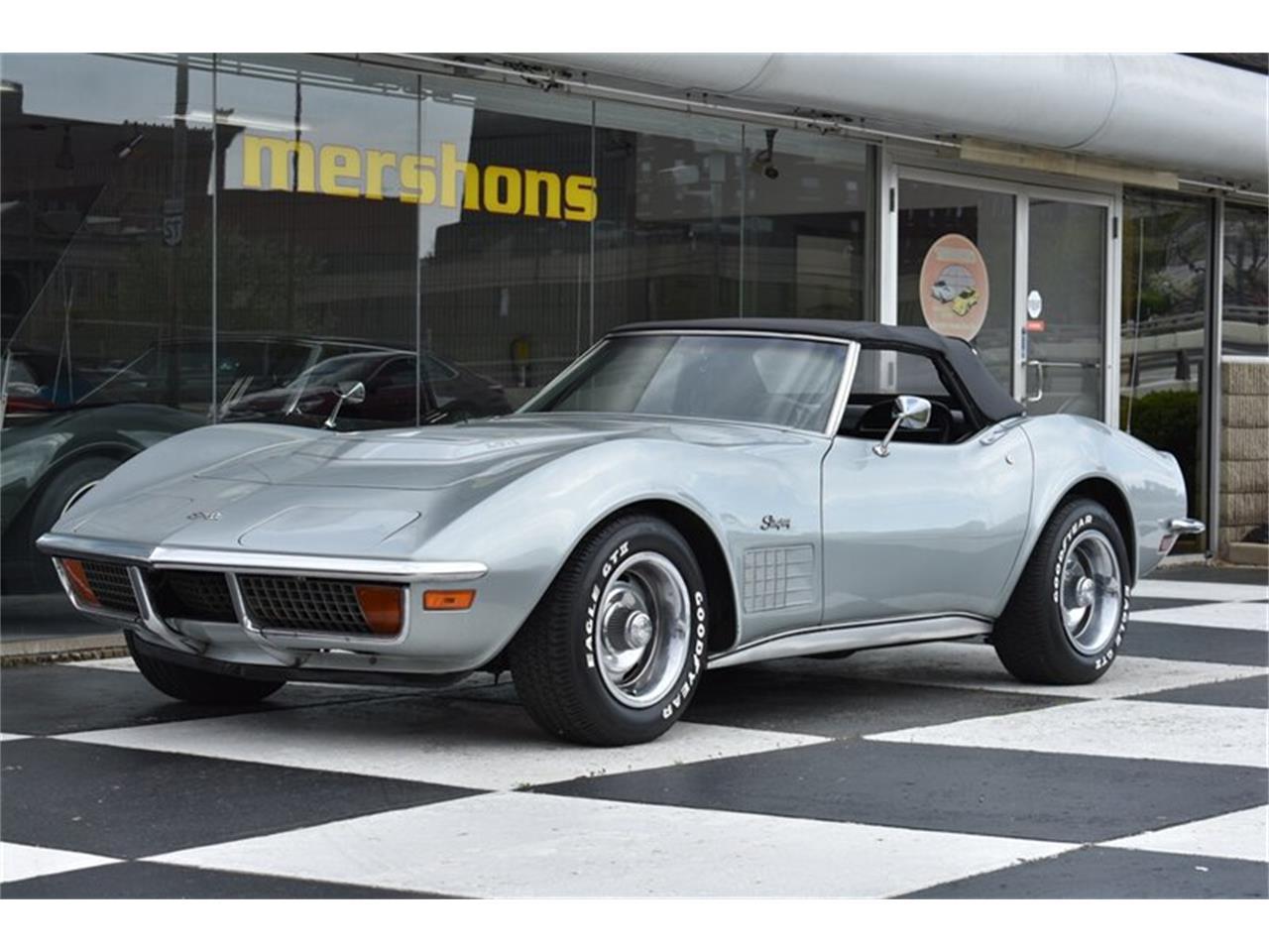 Large Picture of '72 Corvette - Q487