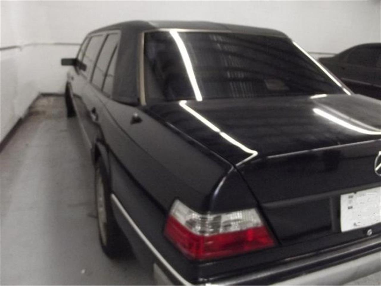Large Picture of 1992 300D - $10,395.00 Offered by Classic Car Deals - Q4A7