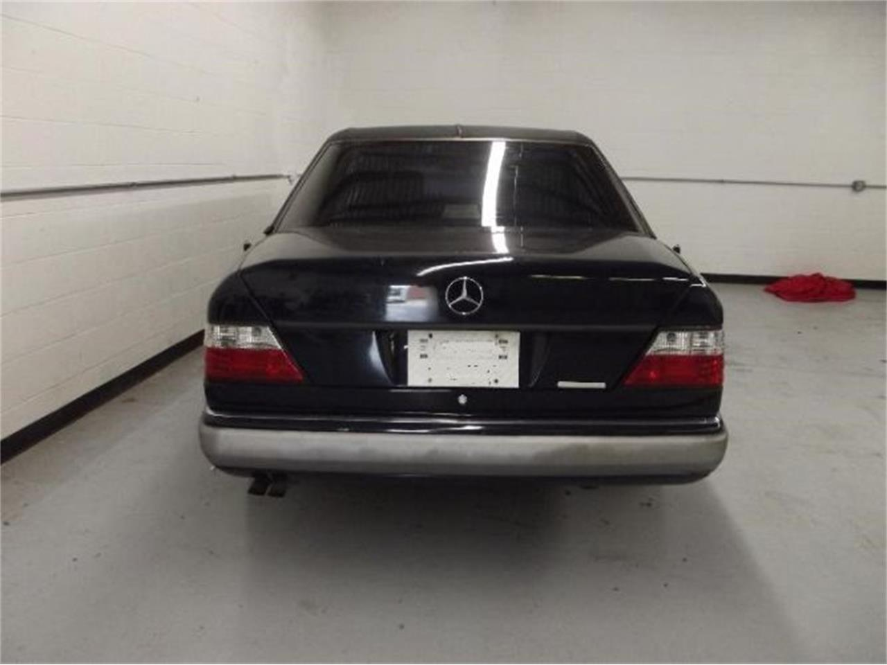 Large Picture of '92 Mercedes-Benz 300D Offered by Classic Car Deals - Q4A7