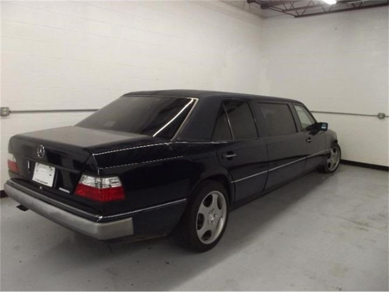 Large Picture of 1992 Mercedes-Benz 300D - $10,395.00 - Q4A7