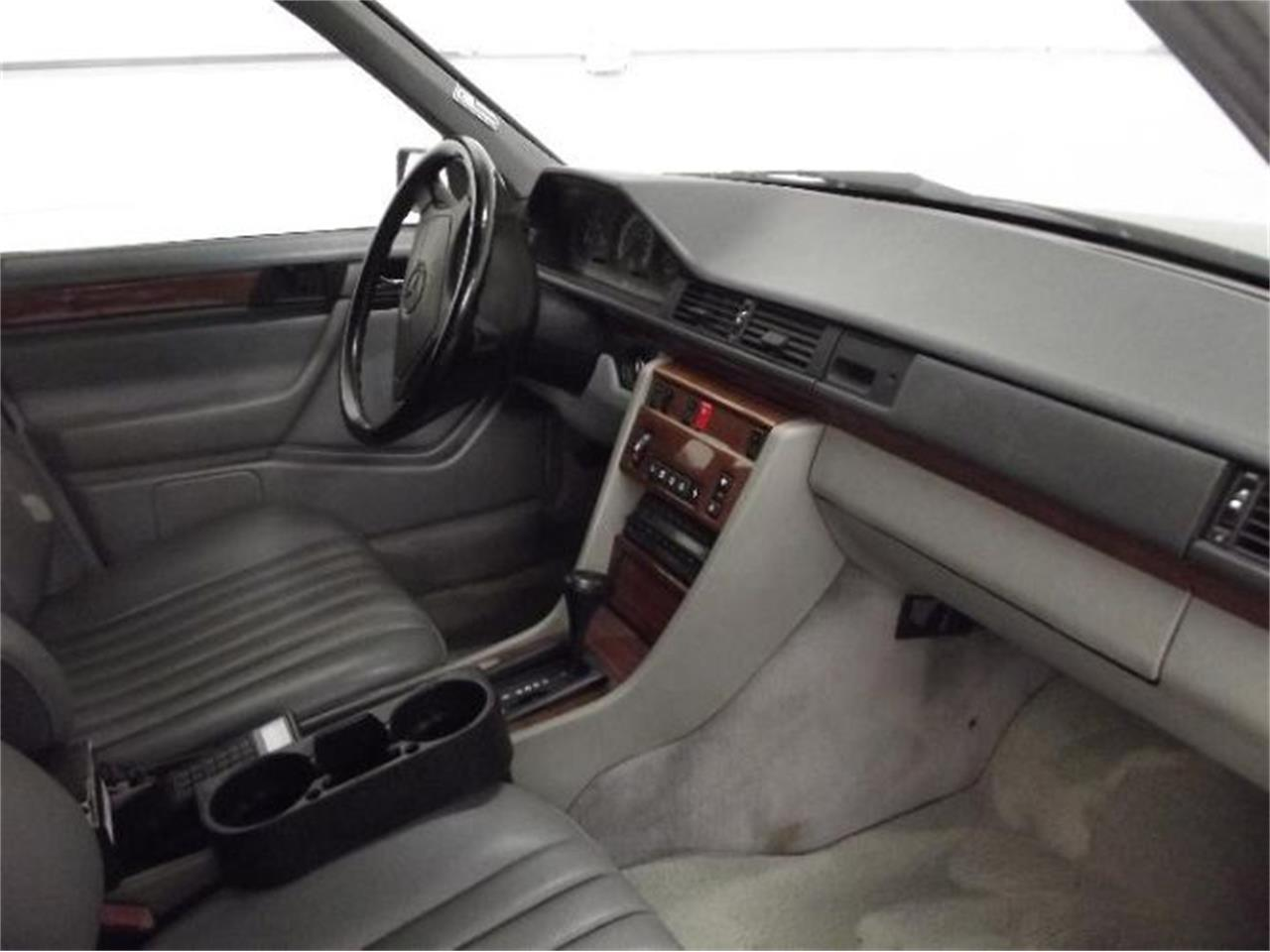 Large Picture of 1992 300D located in Michigan Offered by Classic Car Deals - Q4A7