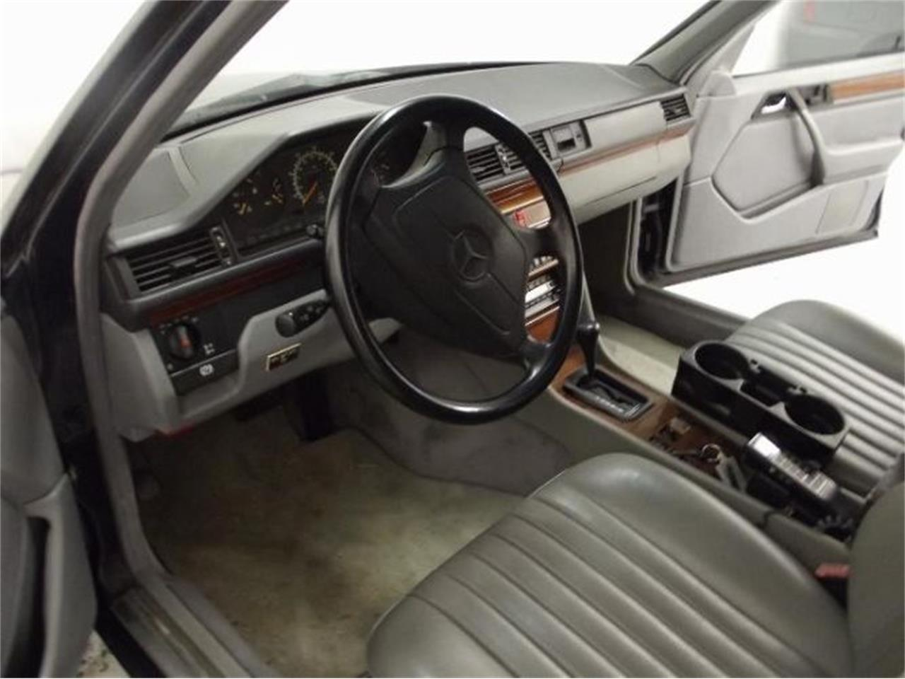 Large Picture of '92 Mercedes-Benz 300D - $10,395.00 Offered by Classic Car Deals - Q4A7
