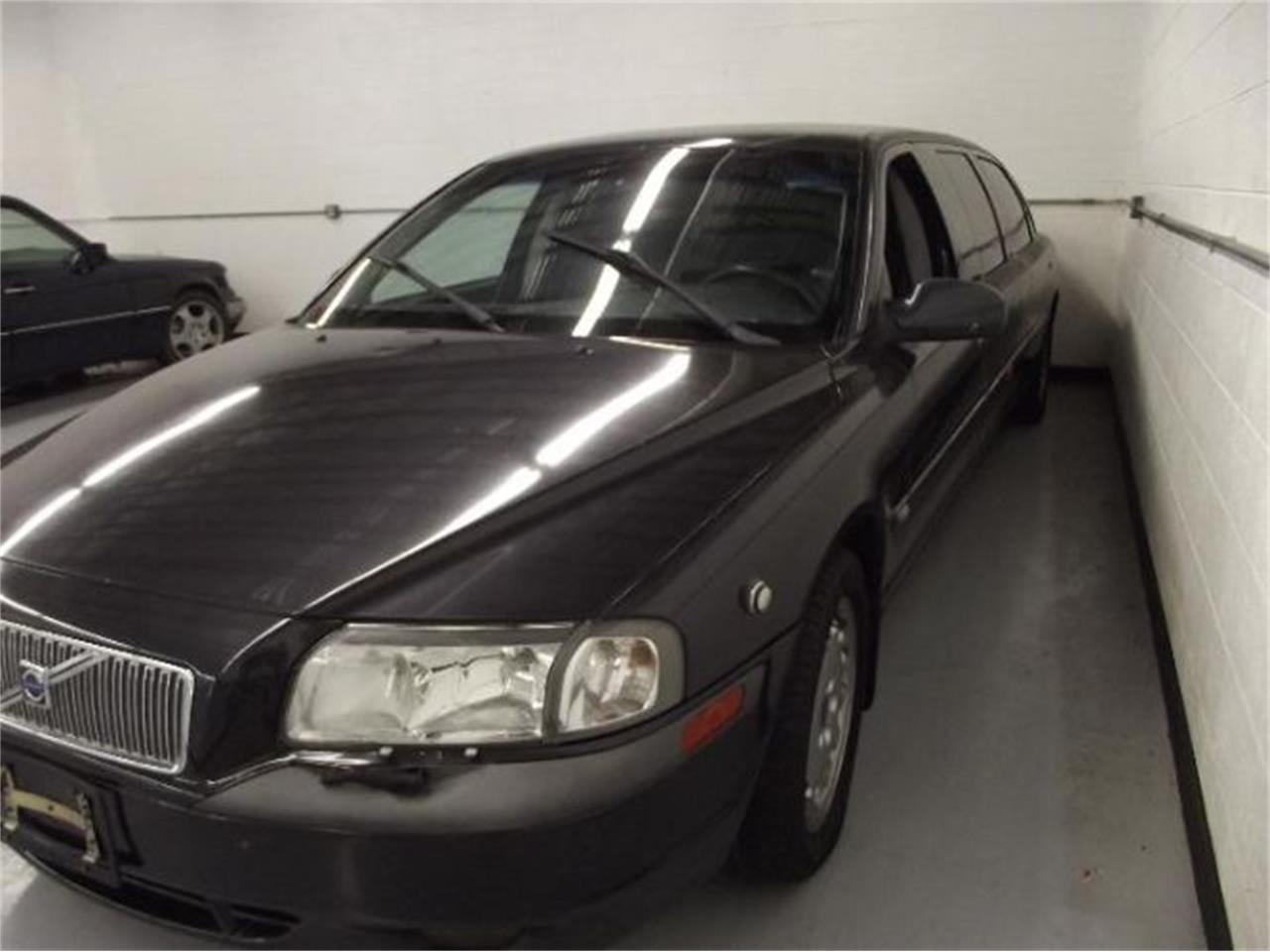Large Picture of 2001 S80 located in Cadillac Michigan - $13,395.00 Offered by Classic Car Deals - Q4A8