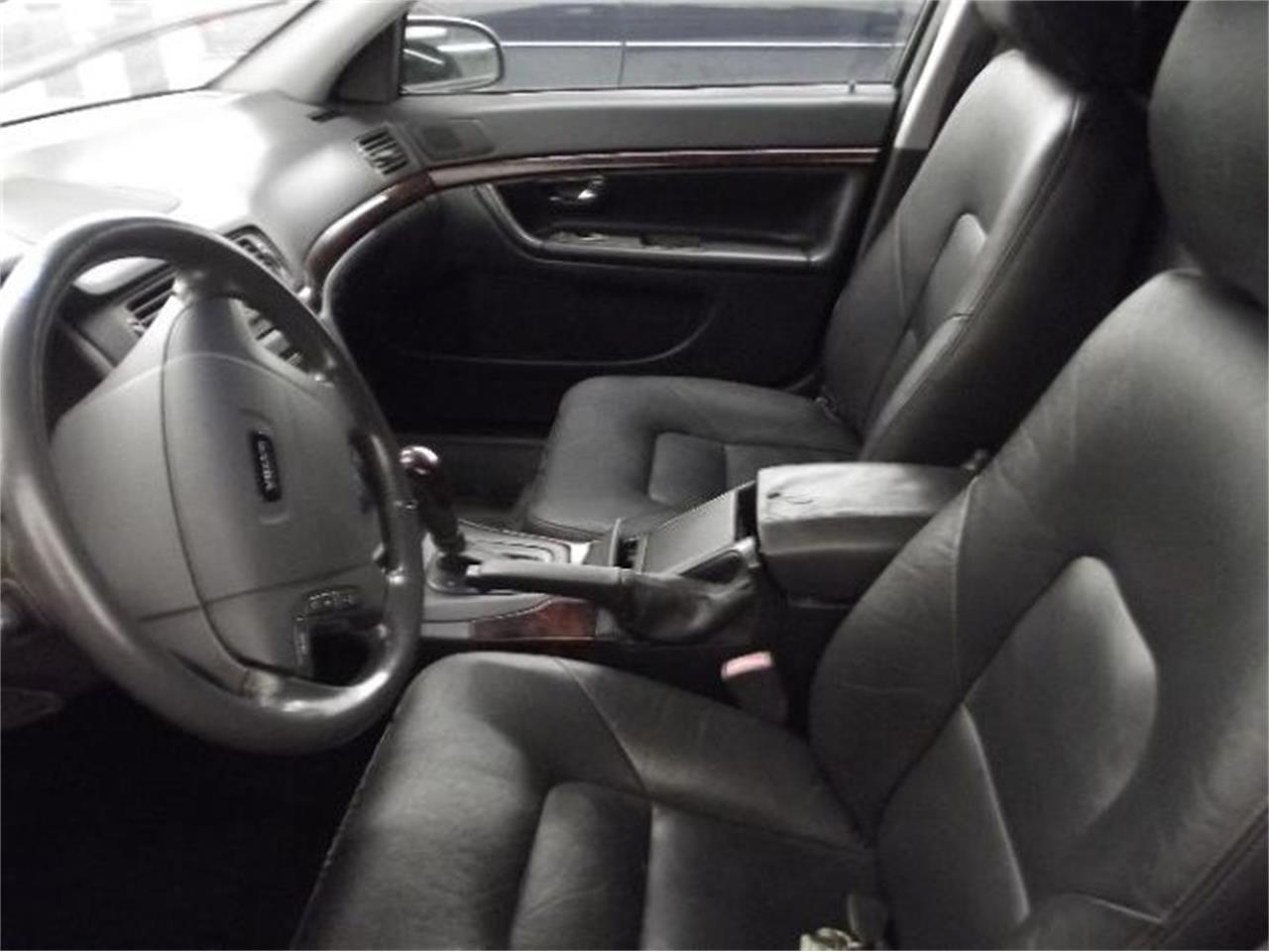 Large Picture of 2001 Volvo S80 located in Cadillac Michigan - Q4A8