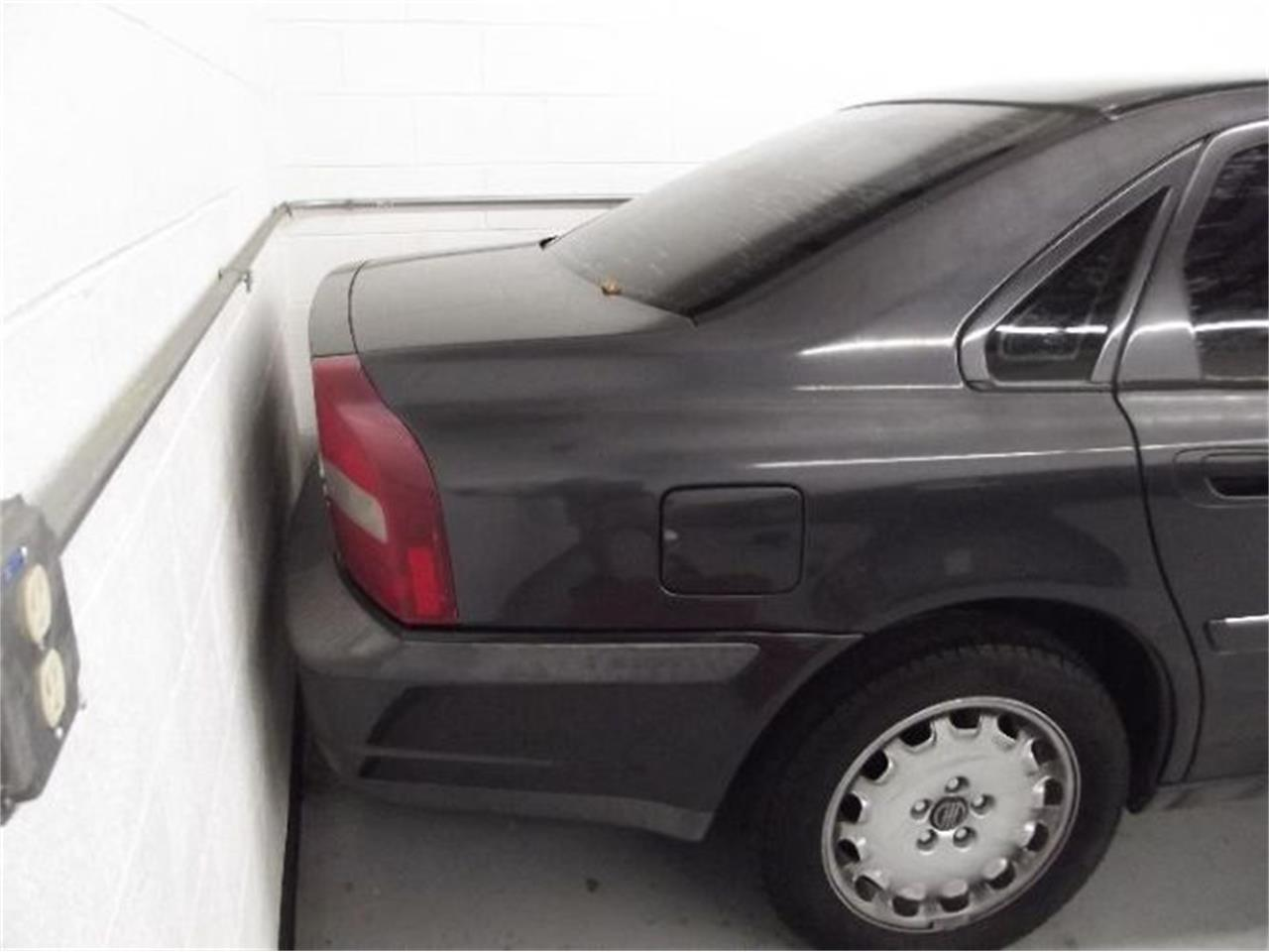 Large Picture of 2001 S80 located in Michigan - $13,395.00 Offered by Classic Car Deals - Q4A8