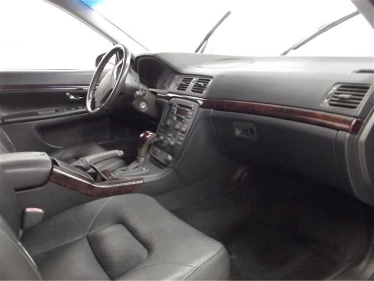 Large Picture of '01 Volvo S80 - $13,395.00 Offered by Classic Car Deals - Q4A8