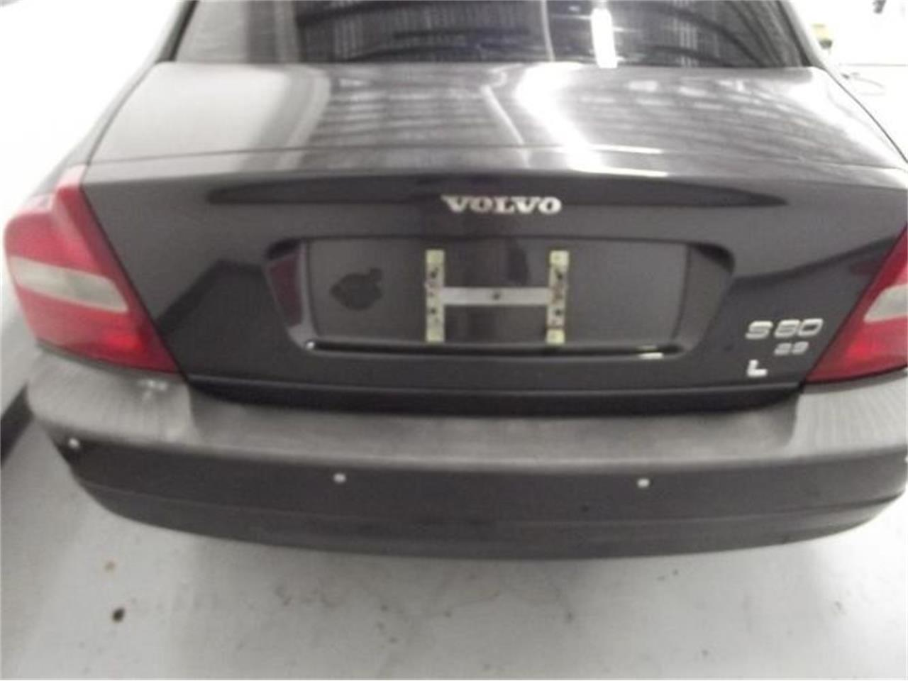 Large Picture of '01 Volvo S80 located in Cadillac Michigan - Q4A8