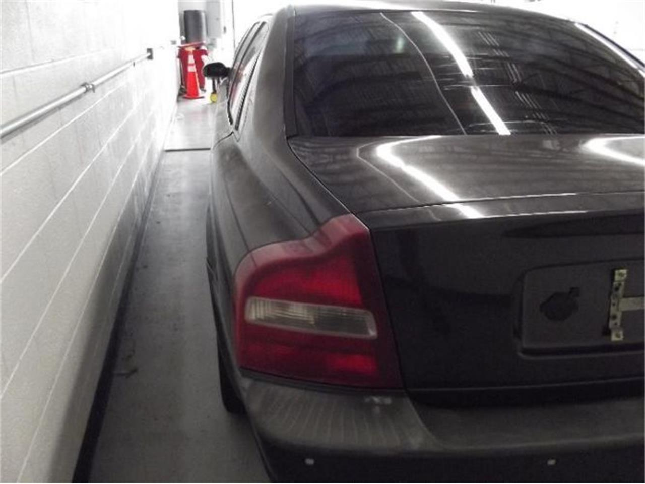Large Picture of 2001 Volvo S80 located in Michigan - Q4A8