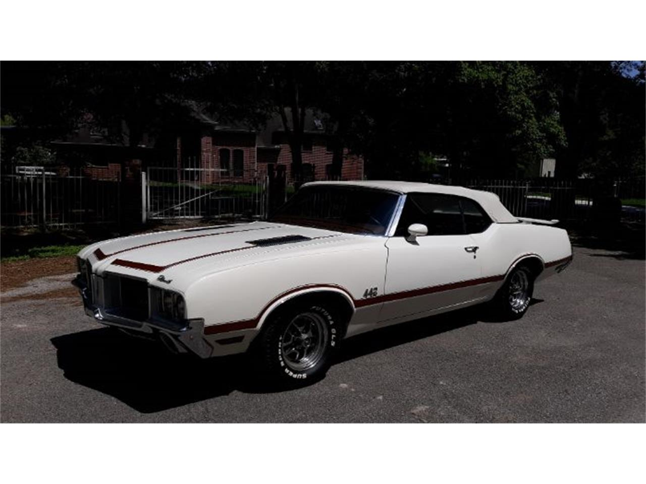 Large Picture of Classic '71 Oldsmobile Cutlass located in Cadillac Michigan - Q4AH