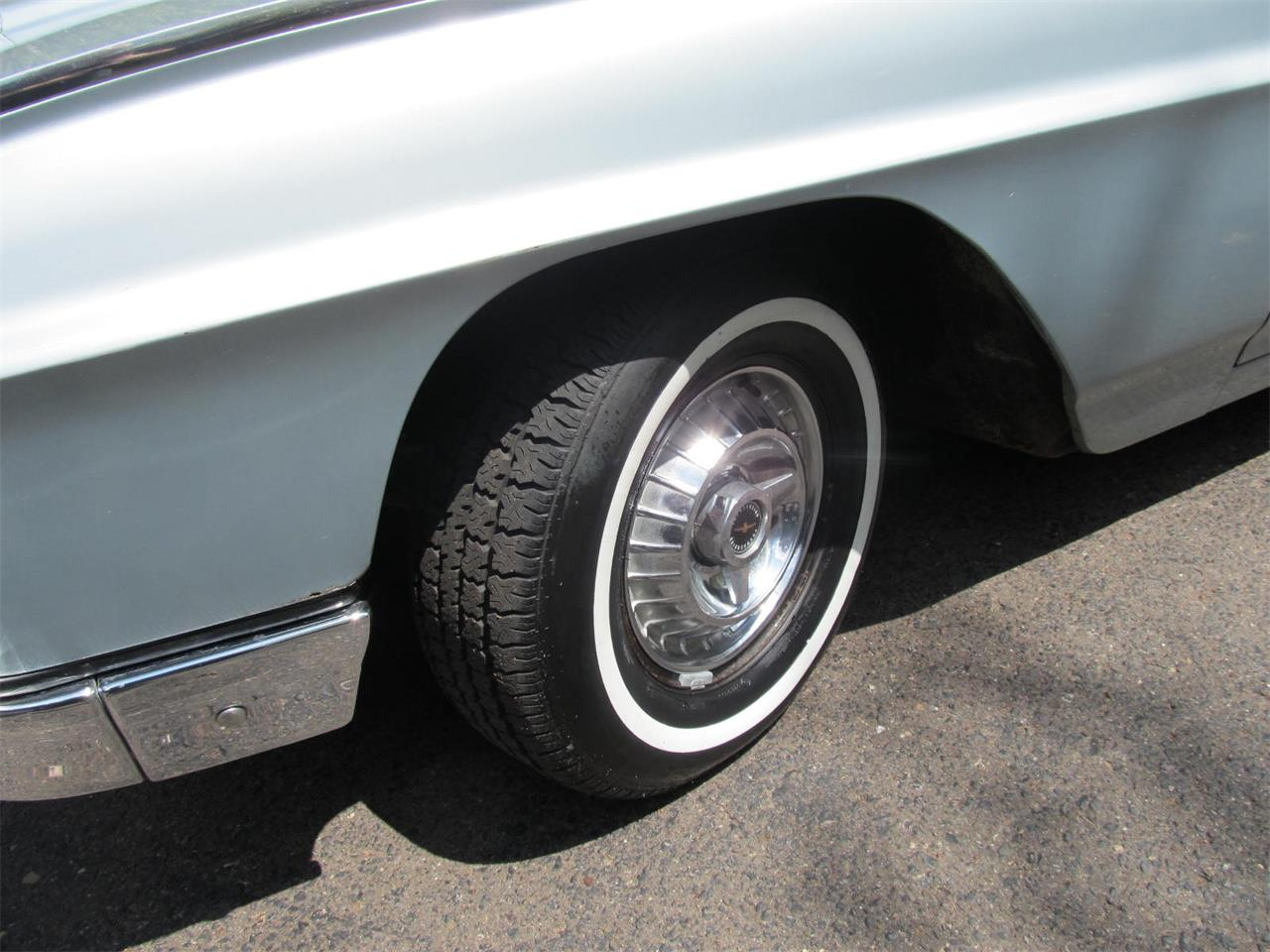 Large Picture of '63 Thunderbird - Q4CW
