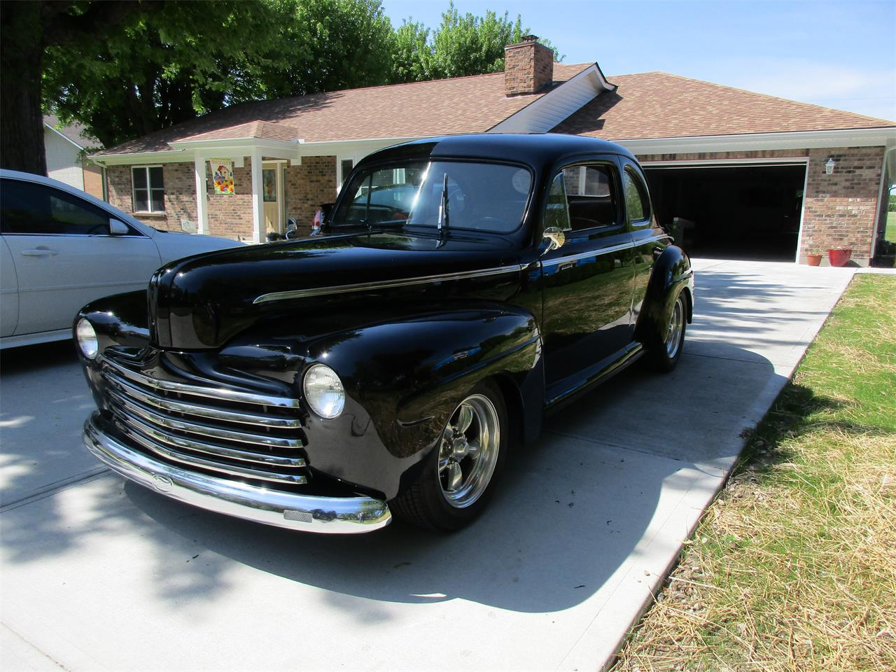 Large Picture of Classic 1946 Ford 2-Dr Coupe - Q4D6
