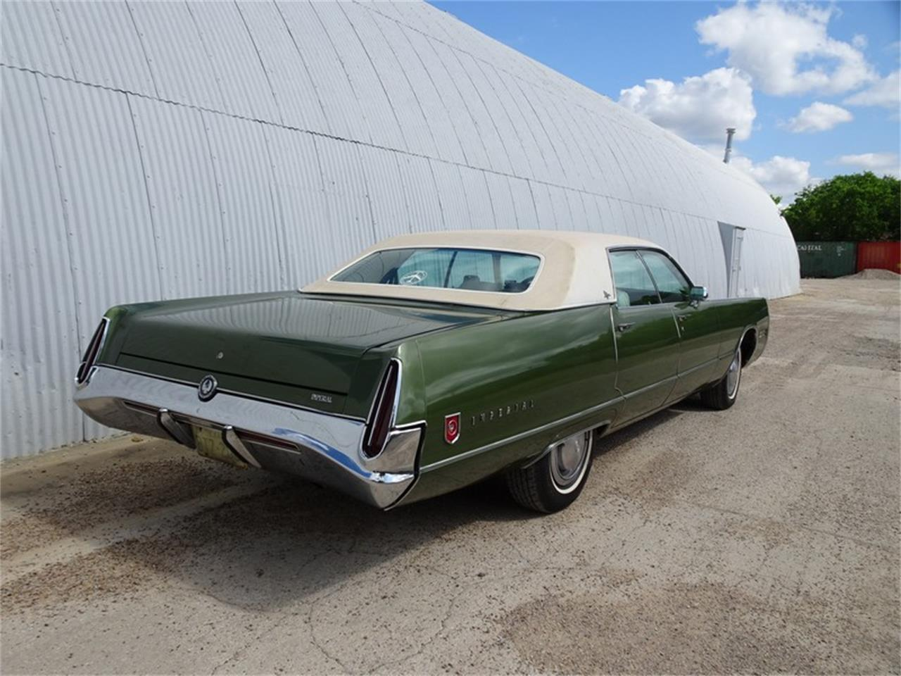 Large Picture of '72 Imperial - Q4D7