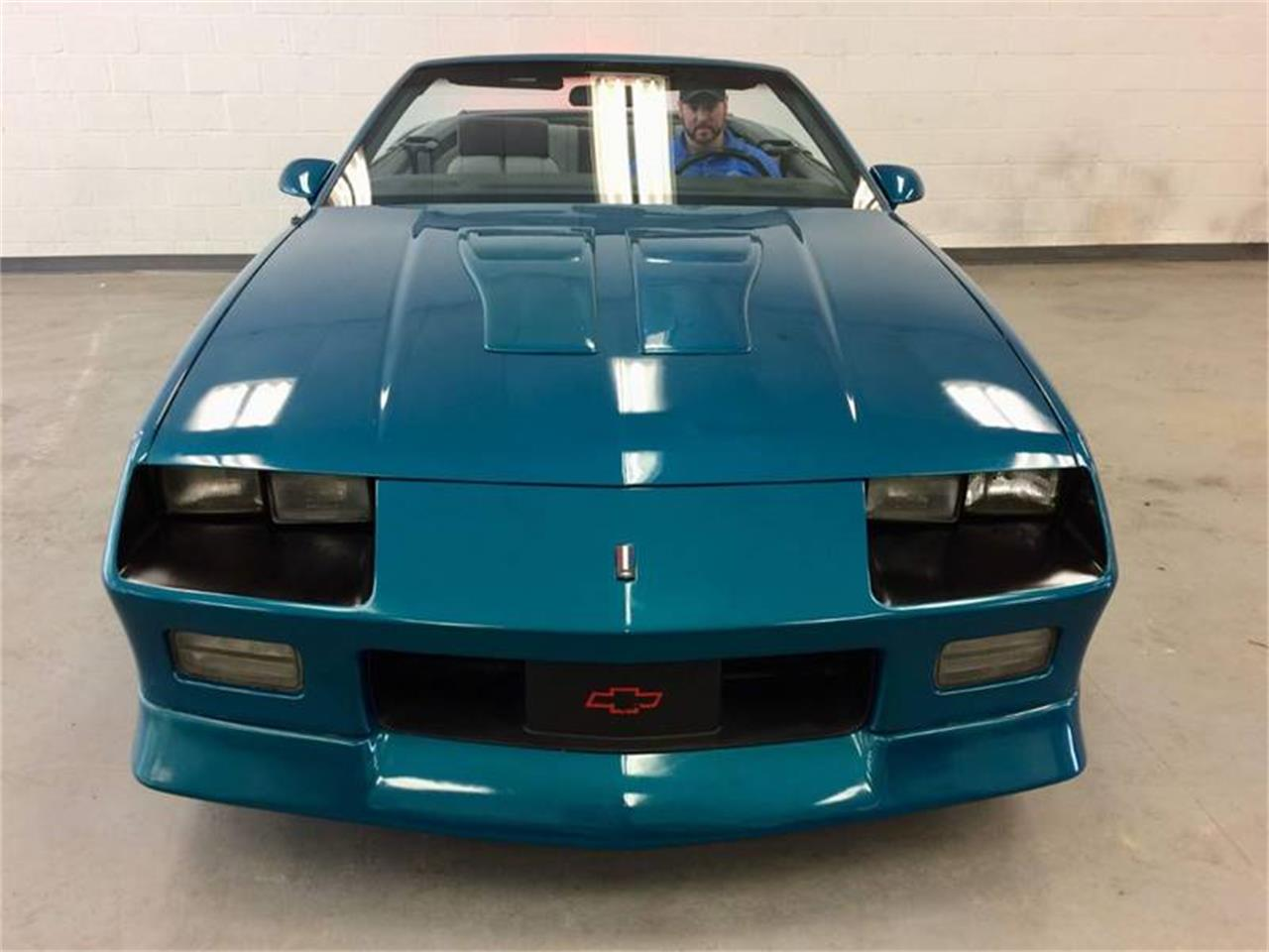 Large Picture of '92 Camaro - Q4F9