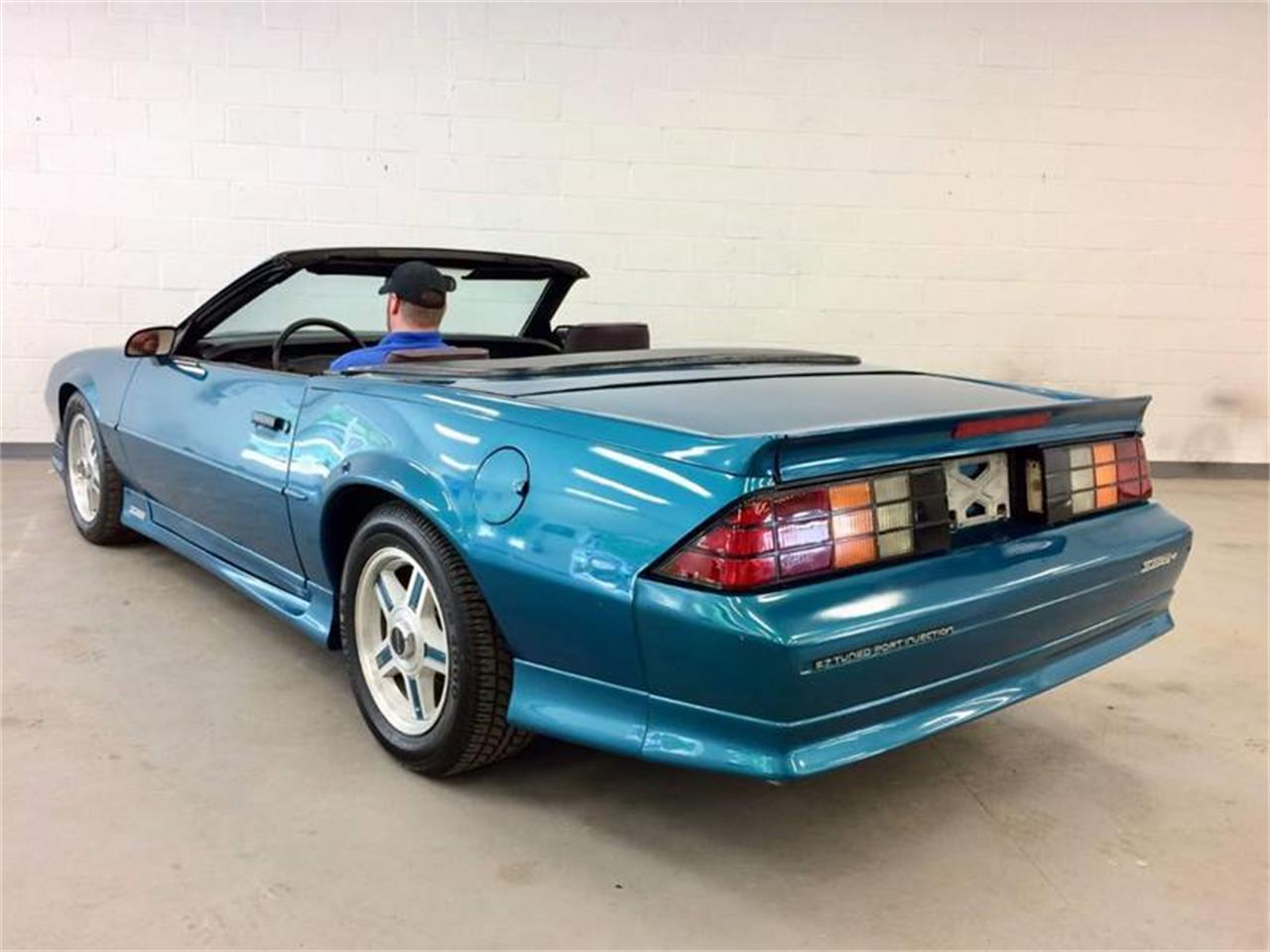 Large Picture of '92 Chevrolet Camaro located in Vestal New York - $12,995.00 - Q4F9