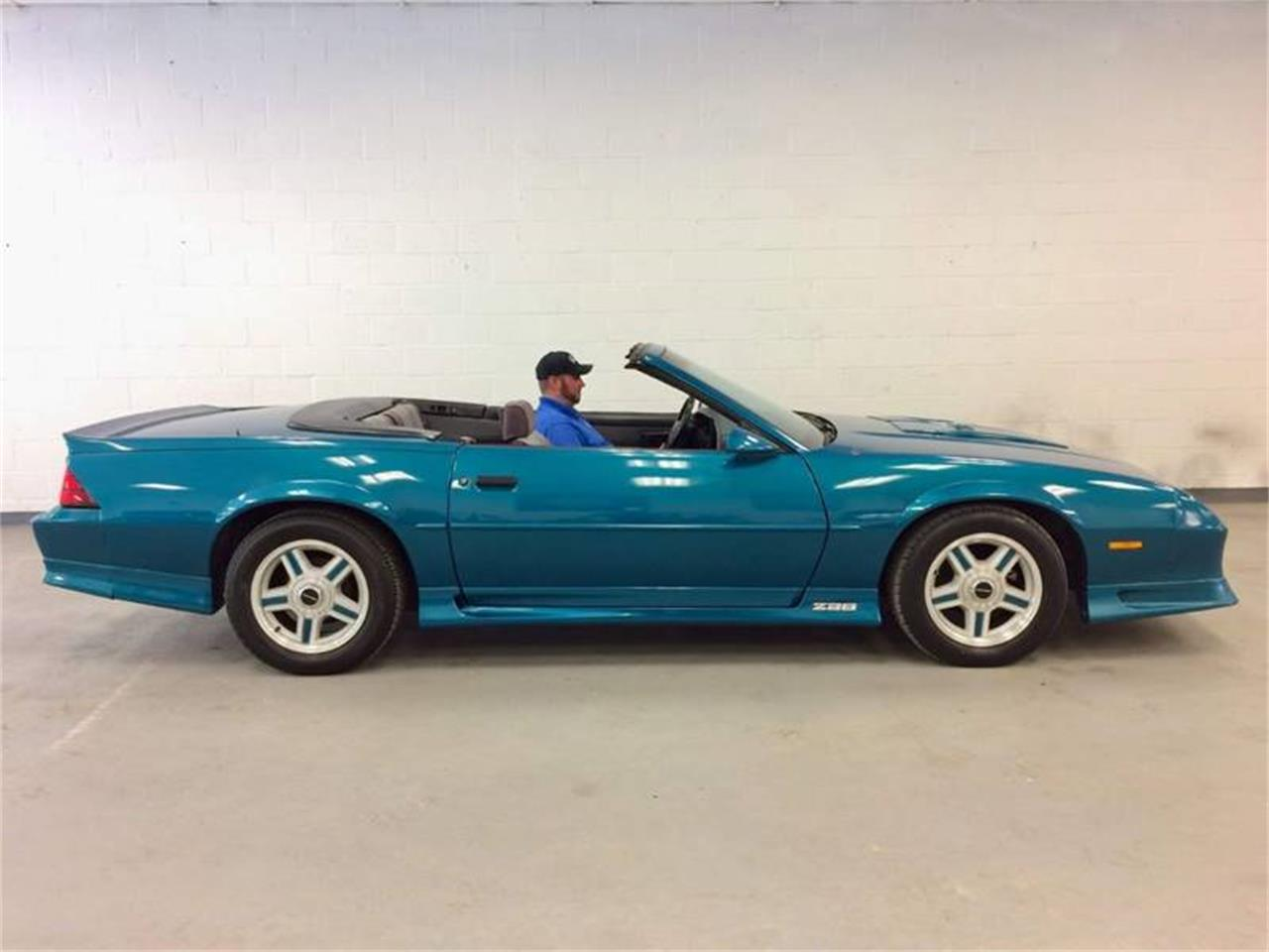 Large Picture of '92 Chevrolet Camaro Offered by Excite Motorsports - Q4F9