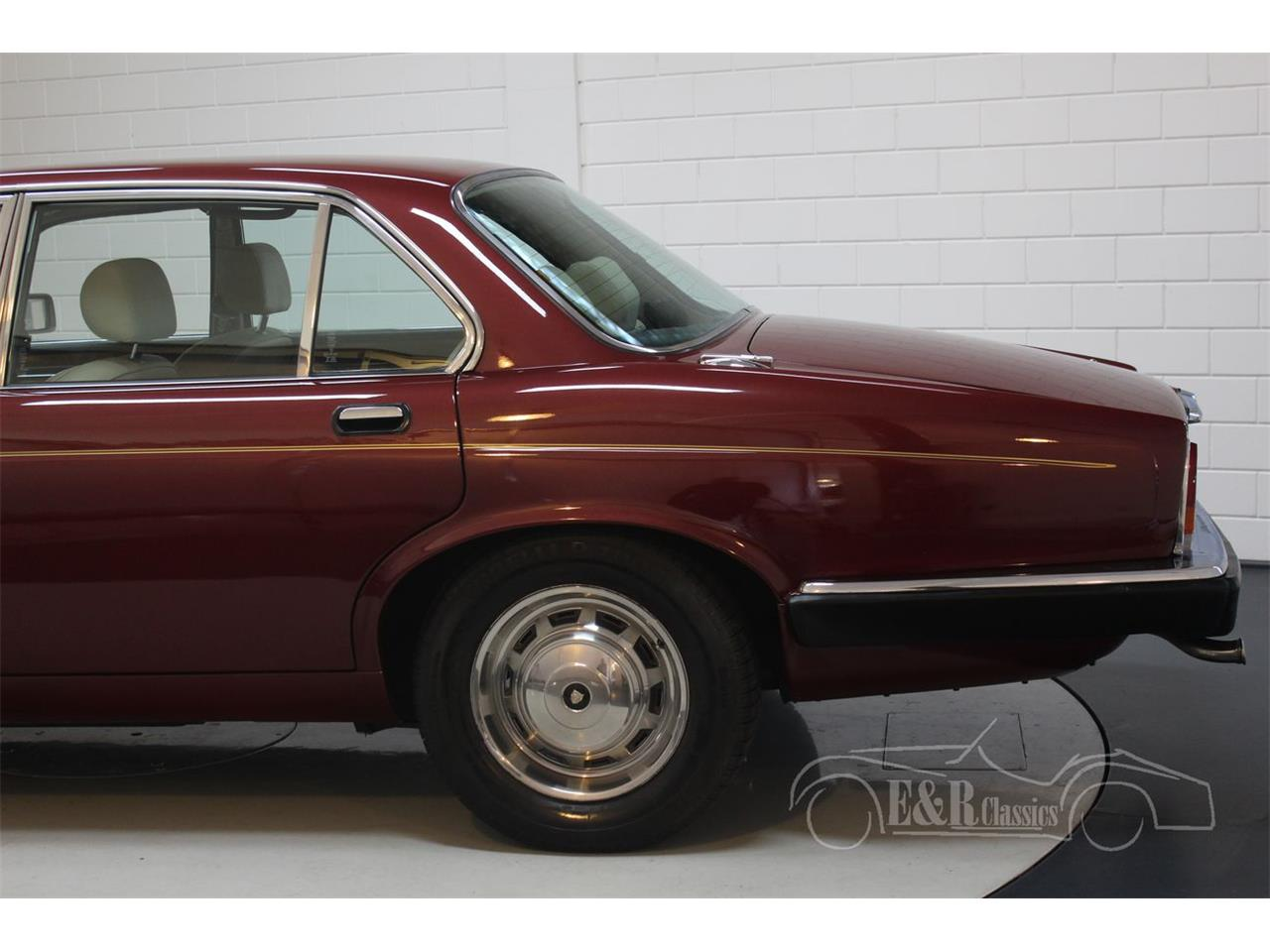 Large Picture of '86 XJ6 - Q4FH